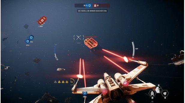 <b>Star Wars: Battlefront 2</b><br>Auf Knopfdruck feuert unser X-Wing vorübergehend mit allen vier Kanonen synchron - der behäbige TIE Bomber hat keine Chance.