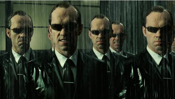 The Matrix 4 ohne Hugo Weaving: Verzichtet das Sequel auf Agent Smith?