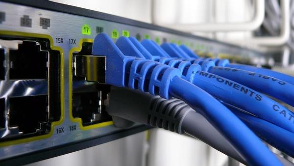 Up- und Download-Geschwindigkeiten von Festnetz-Internet in Deutschland