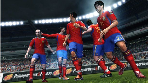 <b>Pro Evolution Soccer 2011</b><br/>Screenshot aus dem DLC mit neuen Nationaltrikots2011